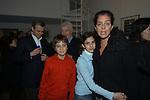 """ALBERTO E GABRIELLA MONCADA CON I FIGLI <br /> VERNISSAGE """" A RIVEDERCI ROMA"""" DI PRISCILLA RATTAZZI<br /> GALLERIA MONCADA ROMA 2004"""