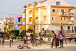 Cabo Verde, Kaap Verdie, KaapVerdie, sal kaapverdie santa maria 2017<br /> Santa Maria, officieel  is een plaats in het zuiden van het Kaapverdische eiland Sal met 6.272 inwoners. Met de opkomst van het toerisme heeft de plaats bekendheid gekregen en is het toerisme de voornaamse inkomstenbron<br /> Kaapverdië, dat behoort tot de geografische regio Ilhas de Barlavento<br />   foto  Michael Kooren<br /> streets of  Santa Maria  sunshine, streetlife, shops, bars, restaurants,  new housing, kids playing,