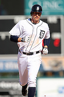March 5, 2010:  Don Kelly of the Detroit Tigers rounds the bases after hitting a home run to right field during a Spring Training game at Joker Marchant Stadium in Lakeland, FL.  Photo By Mike Janes/Four Seam Images