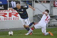 Joni Kauko (FSV) gegen Jonas Hector (Koeln) - FSV Frankfurt vs. 1. FC Koeln, Frankfurter Volksbank Stadion