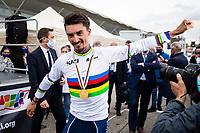 Picture by Alex Whitehead/SWpix.com - 27/09/2020 - Cycling - UCI 2020 Road World Championships IMOLA - EMILIA-ROMAGNA ITALY - Men Elite Road Race - Julian Alaphilippe of France wins the Men's Elite Road Race. - SANTINI