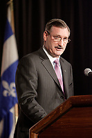 DICK EVANS, ALCAN PRESIDENT AND CHIEF EXECUTIVE OFFICER AT THE CANADIAN CLUB OF MONTREAL'S PODIUM<br /> February 19 2007.<br /> <br />  Dick Evans became the eighth President and Chief Executive<br /> Officer of one of the most beautiful jewels of our economy. Alcan, whose head<br /> office is located in Montreal, has some 65,000 employees in 61 countries and<br /> regions. Alcan is a public company traded on the Toronto, New York, London,<br /> Paris and Swiss stock exchanges with 2005 revenues of $20.3 billion.<br /> <br /> photo : Pierre Roussel (c)  Images Distribution