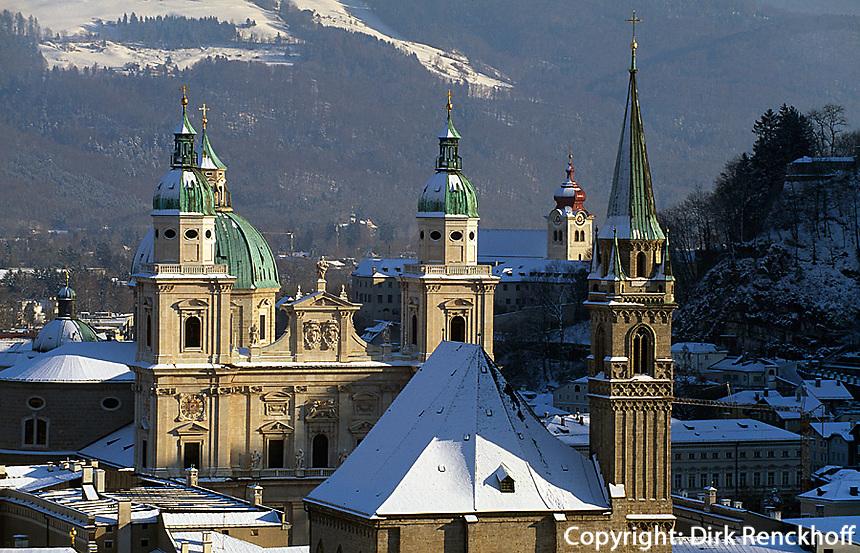 Blick vom Moenchsberg auf Dom und Kollegienkirche,Salzburg,  Unesco-Weltkulturerbe