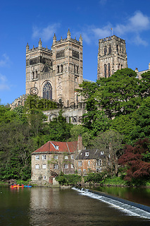 Great Britain, England, County Durham, Durham: Durham Cathedral and the Old Fulling Mill and Museum of archaeology on the River Wear, built as the shrine for Saint Cuthbert in the 12th century
