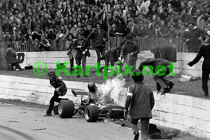 Dick Barker fiery accident at Crystal Palace <br /> <br /> Greater London International Trophy 1972<br /> European Championship for Formula 2 Drivers ,Round 5<br /> John Player British Formula 2 Championship, Round 4
