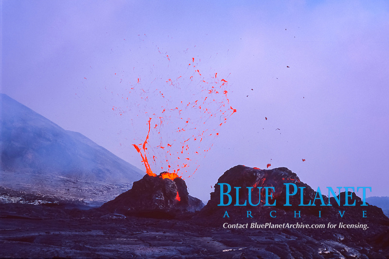 West pit gap area on west side of Pu'u o'o vent 10-04-03 Spatter cones, Hawaii Volcanoes National Park, Big Island, Hawaii, USA