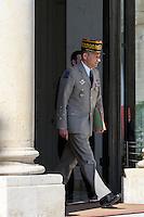 Pierre de Villiers - - Conseil restreint de sÈcurite et de defense ‡ l'Elysee suite a l'attentat de Nice perpetre le 14 juillet.
