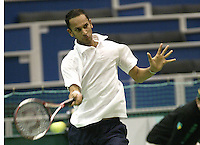 24-2-06, Netherlands, tennis, Rotterdam, ABNAMROWTT, Arvind Parmar in action against Christophe Rochus