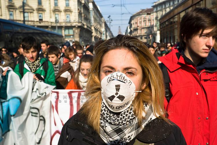 milano, manifestazione studentesca contro la riforma dell'istruzione --- milan, students demonstration against the school reform