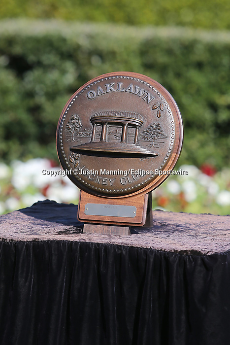 March 6, 2021: The trophy Honeybee Stakes at Oaklawn Racing Casino Resort in Hot Springs, Arkansas. ©Justin Manning/Eclipse Sportswire/CSM