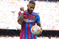 26th September 2021; Nou Camp, Barcelona, Spain: La Liga football, FC Barcelona versus Levante:  Memphis Depay bounces the ball before taking the penalty kick and scoring in 6th minute