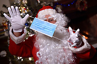 Santa Claus, wear the mask this first Christmas in the time of Pandemic due to the coronavirus (covid -19) Italy on November 26, 2020.<br /> photo by Rocco Spaziani