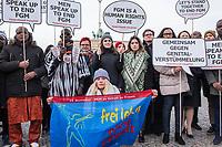 """Aktion von Terre des Femmes zum Internationalen Gedenktag """"Nein zu Gewalt an Frauen"""" vor dem Brandenburger Tor.<br /> Zum Internationalen Gedenktag """"NEIN zu Gewalt an Frauen"""" organisierte Terre des Femmes am 23. November auf dem Pariser Platz vor dem Brandenburger Tor eine Aktion gegen weibliche Genitalverstuemmelung. Terre des Femmes hat gemeinsam mit Aktivistinnen und Aktivisten aus verschiedenen afrikanischen Diaspora-Communities und europaeischen Laendern mit einer Performance auf diese Menschenrechtsverletzung aufmerksam gemacht.<br /> 23.11.2017, Berlin<br /> Copyright: Christian-Ditsch.de<br /> [Inhaltsveraendernde Manipulation des Fotos nur nach ausdruecklicher Genehmigung des Fotografen. Vereinbarungen ueber Abtretung von Persoenlichkeitsrechten/Model Release der abgebildeten Person/Personen liegen nicht vor. NO MODEL RELEASE! Nur fuer Redaktionelle Zwecke. Don't publish without copyright Christian-Ditsch.de, Veroeffentlichung nur mit Fotografennennung, sowie gegen Honorar, MwSt. und Beleg. Konto: I N G - D i B a, IBAN DE58500105175400192269, BIC INGDDEFFXXX, Kontakt: post@christian-ditsch.de<br /> Bei der Bearbeitung der Dateiinformationen darf die Urheberkennzeichnung in den EXIF- und  IPTC-Daten nicht entfernt werden, diese sind in digitalen Medien nach §95c UrhG rechtlich geschuetzt. Der Urhebervermerk wird gemaess §13 UrhG verlangt.]"""