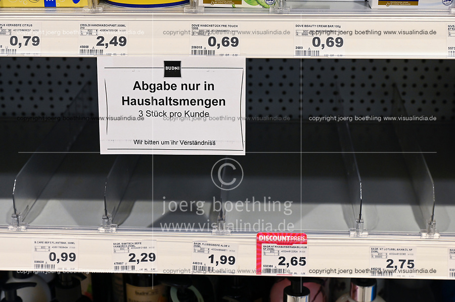 GERMANY, Hamburg, Corona Virus, COVID-19 , scarce good:  disinfectant items, empty racks / Mangelware Desinfektionsmittel durch Hamsterkäufe