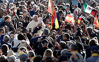 Papa Francesco bacia una bambina al suo arrivo all'udienza generale del mercoledi' in Piazza San Pietro, Citta' del Vaticano, 11 ottobre, 2017.<br /> Pope Francis kisses a child as he arrives for his weekly general audience in St. Peter's Square at the Vatican, on October 11, 2017.<br /> UPDATE IMAGES PRESS/Isabella Bonotto<br /> <br /> STRICTLY ONLY FOR EDITORIAL USE