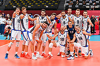 Volleyball, Tokyo 2020, 28.07.2021 Volleyball, Men s Preliminary, Italy white vs. Japan red, die italienische Mannschaft jubelt ueber den Sieg, *** Volleyball, Tokyo 2020, 28 07 2021 Volleyball, Men s Preliminary, Italy white vs Japan red , the Italian team cheers on victory, Copyright: xBEAUTIFULxSPORTS/TomxBlochx <br /> Photo Imago  / Insidefoto ITALY ONLY