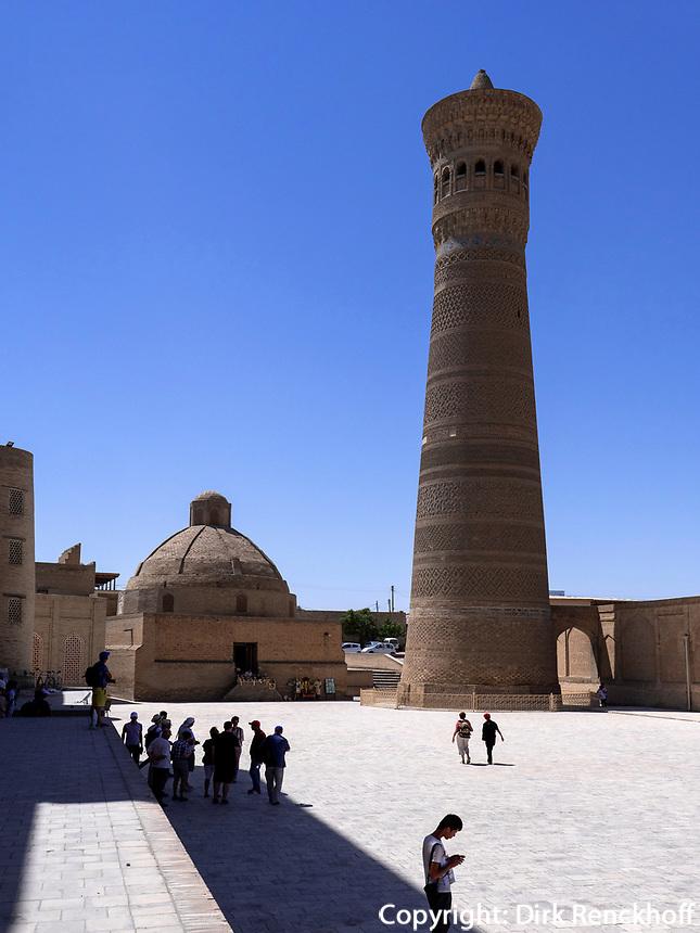 Alim-Khan-Medrese und Kalon Minarett, Buchara, Usbekistan, Asien, UNESCO-Weltkulturerbe<br /> Alim Khan Madrasa and Kalon minaret, Historic City of Bukhara, Uzbekistan, Asia, UNESCO Heritage Site