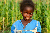 Malawi, Thyolo, village  Samuti, portraiture of girl / Portraet eines Maedchens