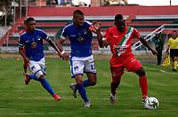 TULUA-COLOMBIA, 12-10-2020: Cortulua y Orsomarso S. C. durante partido por la fecha 14 del Torneo BetPlay DIMAYOR 2020 en el estadio Doce de Octubre de la ciudad de Tulua. / Cortulua Orsomarso S. C. during a match for the 14th date of the BetPlay DIMAYOR 2020 tournament at the Doce de Octubre de stadium in Tulua city. / Photo: VizzorImage / Juan Jose Horta / Cont.