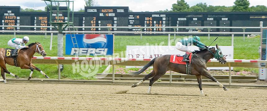 Bandidos Yanquis winning at Delaware Park on 8/16/11