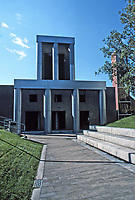 Los Angeles:  Loyola Law School, 1981-84.  Frank Gehry, Architect. Photo Jan. 1987.