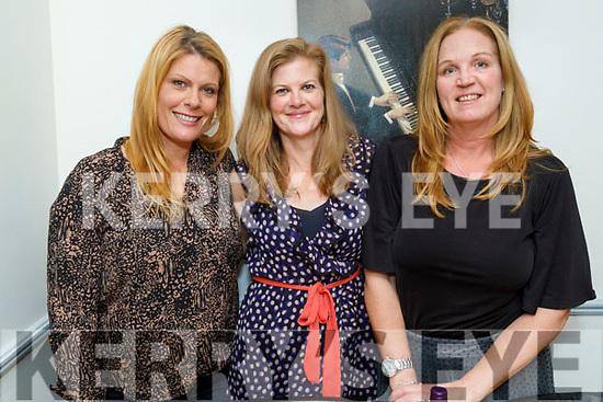 Adeline Palleschi, Amanda Belyea and Anette Henriksson enjoying the evening in Sforno on Saturday.