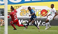 MANIZALES- COLOMBIA,  27-03-2021 .Geimer Balanta de Boyacá Chicó convierte el gol de su equipo durante partido por la fecha 15 entre Once Caldas y Boyacá Chicó como parte de la Liga BetPlay DIMAYOR 2021 jugado en el estadio  Palogrande de la ciudad de Manizales. / Geimer Balanta  of Boyaca Chico scores the  goal of his team during match for the date 15 between  Once Caldas and Boyaca       BetPlay DIMAYOR League I 2021 played at Palogrande stadium in Manizales city. Photo: VizzorImage /John Jairo Bonilla / Contribuidor
