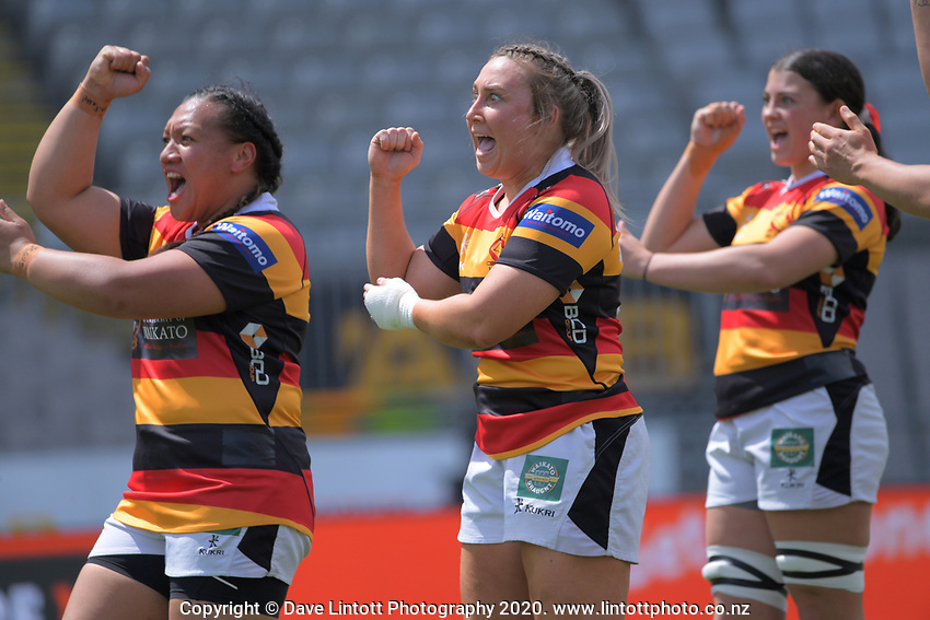 Waikato players perform a haka before during the Farah Palmer Cup women's rugby union match between Auckland Storm and Waikato at Eden Park in Auckland, New Zealand on Sunday, 18 October 2020. Photo: Dave Lintott / lintottphoto.co.nz