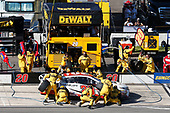 Monster Energy NASCAR Cup Series<br /> Overton's 400<br /> Pocono Raceway, Long Pond, PA USA<br /> Sunday 30 July 2017<br /> Matt Kenseth, Joe Gibbs Racing, Toyota Care Toyota Camry pit stop<br /> World Copyright: Matthew T. Thacker<br /> LAT Images