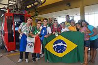 RIO DE JANEIRO, RJ, 18 DE JULHO DE 2013 -JMJ-PEREGRINOS E VOLUNTÁRIOS NO COMPLEXO DO ALEMÃO-RJ- Movimentação de peregrinos e voluntários da Jornada Mundial da Juventude (JMJ) que acontecerá entre os dias 23 e 28 de julho, no Complexo do Alemão, na tarde desta quinta-feira,18, zona norte do Rio de Janeiro.FOTO:MARCELO FONSECA/BRAZIL PHOTO PRESS