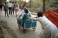 Handwagen als Taxi, Mount Abu (Rajasthan), Indien