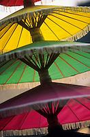 Asie/Thaïlande/Chiang Mai : Artisanat atelier de fabrication des ombrelles - Détail ombrelles