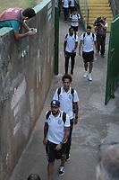 CAMPINAS, 05.05.2018-GUARANI X PONTE PRETA-Jogadores da Ponte Preta chegam pelo portao da torcida visitante do estadio. Partida entre Guarani e Ponte Preta pelo campeonato Brasileiro no estádio Brinco de Ouro em Campinas (SP), interior de São Paulo, nesta sabado (05). (Foto: Denny Cesare/Codigo19)