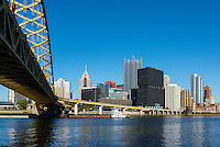 City skyline and Fort Pitt Bridge, Pittsburgh, Pennsylvania, USA.