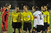 Belgium - Austria : Fania Lammens ,  Sharon Sluyts en Stephanie Forde met Heleen Jaques (links) en Nina Burger (rechts).foto DAVID CATRY / Vrouwenteam.be