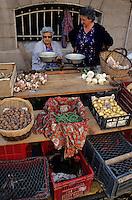 Europe/France/Midi-Pyrénées/81/Tarn/Albi: Le marché rue Saint-Julien [Non destiné à un usage publicitaire - Not intended for an advertising use]<br /> PHOTO D'ARCHIVES // ARCHIVAL IMAGES<br /> FRANCE 1990