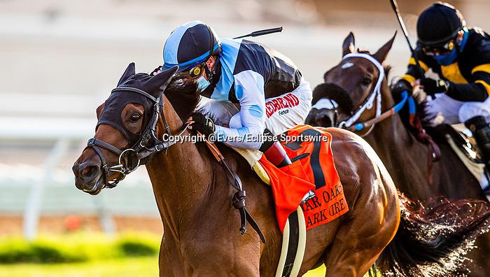 AUG 22: Red Lark (IRE), and jockey Drayden Van Dyke win the Grade I  Del Mar Oaks with jockey Drayden Van Dyke aboard, in Del Mar, California on August 22, 2020. Evers/Eclipse Sportswire/CSM