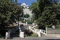 Jugendstil-Treppenanlage Strudlhofstiege erbaut 1910 von Johann Theodor Jäger, Strudelhofgasse 8, Wien, Österreich, UNESCO-Weltkulturerbe<br /> Art nouveau stairway Strudelhofstiege, Vienna, Austria, world heritage