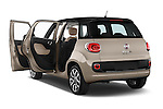 Car images close up view of a 2014 Fiat 500L Lounge 5 Door MPV doors