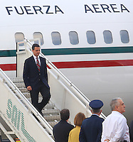CALI -COLOMBIA-22-05-2013. Llegada del Presidente de México Enrique Peña Nieto a la ciudad de Cali, Colombia, hoy para asistir a la VII Cumbre Presidencial Alianza del Pacífico./ Enrique Peña Nieto president of Mexico  arrives to Cali, Colombia, today to participate in the VII Cumbre Presidencial Alianza del Pacífico. Photo: VizzorImage/Juan C. Quintero/STR