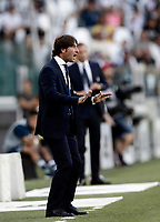 Calcio, Serie A: Torino, Allianz Stadium, 19 agosto 2017. <br /> Cagliari's coach Massimo Rastelli speaks to his players during the Italian Serie A football match between Juventus and Cagliari at Torino's Allianz Stadium, August 19, 2017.<br /> UPDATE IMAGES PRESS/Isabella Bonotto
