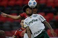 30th May 2021; Maracana Stadium, Rio de Janeiro, Brazil; Brazilian Serie A, Flamengo versus Palmeiras; Willian Arão of Flamengo is beaten to the header by Luiz Adriano of Palmeiras