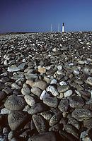 Europe/France/Bretagne/29/Finistère/Ile de Sein: Phare et galets