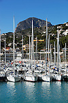 Spain, Costa Blanca, Javea: View over yacht marina and El Montgo mountain behind | Spanien, Costa Blanca, Javea oder auf valencianisch Xàbia: Yachthafen und Berg El Montgo