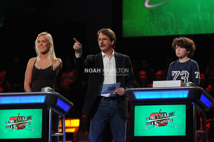 ARE YOU SMARTER THAN A 5th GRADER?: Shark attack survivor Bethany Hamilton (L) is a contestant on ARE YOU SMARTER THAN A 5th GRADER? airing Friday, Aug. 7 (8:00-9:00 PM ET/PT) on FOX. Also pictured: Jeff Foxworthy (C) and Jonathan (R) ©2009 FOX Broadcasting Co. CR: Mike Yarish/FOX