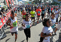 CALI  - COLOMBIA - 02-06-2013: Con la participación de mas de quince mil atletas en varias categorías se realizo la XII Media Maraton Cali, Junio 2 de 2013 (Foto: VizzorImage / Juan C. Quintero / Str.) With the participation of more than fifteen thousand athletes in several categories was held the XII Half Marathon Cali, June 2, 2013 (Photo: VizzorImage / John C. Quintero / Str)