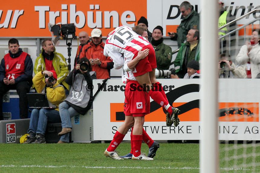 Leon Andreasen bejubelt mit Mohamed Zidan das 2:0 (1. FSV Mainz 05.) +++ Marc Schueler +++ 1. FSV Mainz 05 vs. 1. FC Nuernberg, 24.02.2007, Stadion am Bruchweg Mainz +++ Bild ist honorarpflichtig. Marc Schueler, Kreissparkasse Grofl-Gerau, BLZ: 50852553, Kto.: 8047714