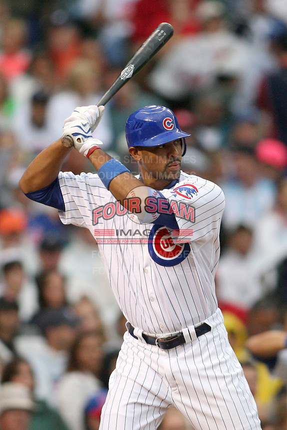 August 18, 2007: Derek Lee of the Chicago Cubs at bat in a game versus the St. Louis Cardinals at Wrigley Field in Chicago, IL.  Photo by:  Chris Proctor/Four Seam Images