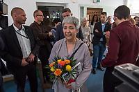 Feier zum einjaehrigen Bestehen der liberalen Ibn Rushd-Goethe Moschee in Berlin-Moabit.<br /> Die Ibn-Rushd-Goethe-Moschee ist eine liberale Moschee in Berlin. Sie wurde am 16. Juni 2017 eroeffnet. Ihre Gruendung geht massgeblich auf die Rechtsanwaeltin und Frauenrechtlerin Seyran Ates zurueck (im Bild).<br /> Die Benennung der Moschee erfolgte nach dem andalusischen Arzt und Philosophen Averroes (arab. Ibn Ruschd, 1126–1198), der im Mittelalter fuer seine Kommentare zum Werk von Aristoteles bekannt war, sowie nach dem deutschen Dichter Johann Wolfgang von Goethe (1749–1832) in Wuerdigung seiner Auseinandersetzung.<br /> In der Moschee wird ein liberaler Islam praktiziert. So sollen Frauen und Maenner gemeinsam beten, auch wird die Predigt von Frauen gesprochen. Homosexuelle Maenner und Frauen sind ausdruecklich willkommen. Die Moschee steht verschiedenen islamischen Konfessionen offen stehen, darunter Sunniten, Schiiten, Aleviten und Sufis.<br /> 15.6.2018, Berlin<br /> Copyright: Christian-Ditsch.de<br /> [Inhaltsveraendernde Manipulation des Fotos nur nach ausdruecklicher Genehmigung des Fotografen. Vereinbarungen ueber Abtretung von Persoenlichkeitsrechten/Model Release der abgebildeten Person/Personen liegen nicht vor. NO MODEL RELEASE! Nur fuer Redaktionelle Zwecke. Don't publish without copyright Christian-Ditsch.de, Veroeffentlichung nur mit Fotografennennung, sowie gegen Honorar, MwSt. und Beleg. Konto: I N G - D i B a, IBAN DE58500105175400192269, BIC INGDDEFFXXX, Kontakt: post@christian-ditsch.de<br /> Bei der Bearbeitung der Dateiinformationen darf die Urheberkennzeichnung in den EXIF- und  IPTC-Daten nicht entfernt werden, diese sind in digitalen Medien nach §95c UrhG rechtlich geschuetzt. Der Urhebervermerk wird gemaess §13 UrhG verlangt.]