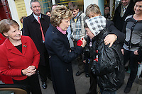 NO REPRO FEE. President McAleese has visited the Focus Ireland Coffee Shop.20/12/2010. President Mary McAleese is pictured shaking hands with Tania Lamb a customer at the Focus Ireland Coffee Shop and Housing Advice Service in Temple Bar also pictured is Sr Stanislaus Kennedy (red coat on left).The Centre provides meals, advice, information and support to the homeless.Picture James Horan/Collins Photos